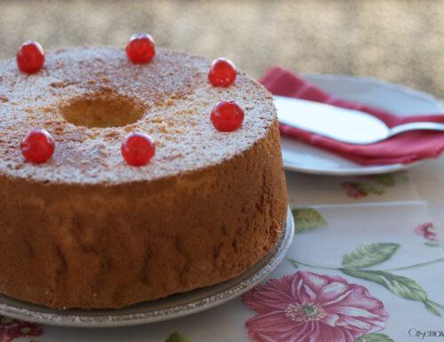 Angel cake, famoso dolce americano soffice e leggero