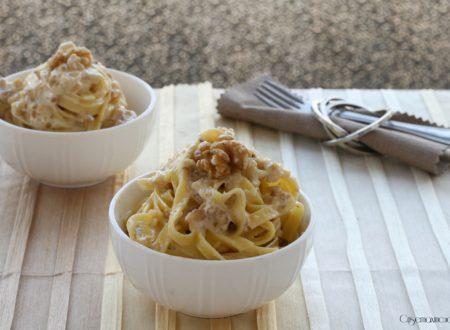 Tagliatelle mascarpone e noci, primo piatto facile e veloce