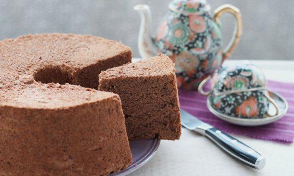 Angel cake al cioccolato, ricetta golosa e sofficissima