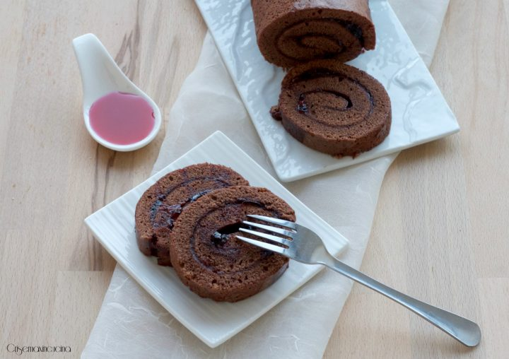 rotolo al cioccolato con marmellata