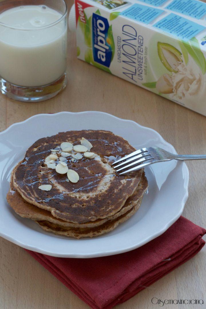 pancakes integrali col latte di mandorla
