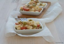 Insalata di quinoa con feta e pomodorini, ricetta salutare