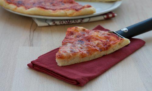 Pizza con un grammo di lievito, ricetta lievitata