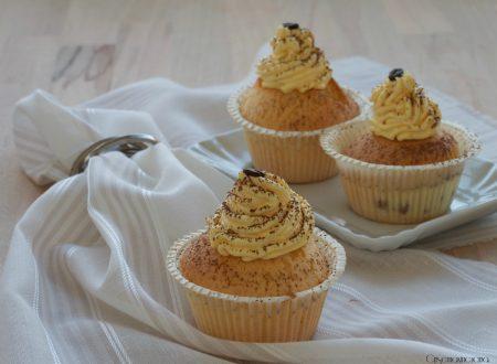 Muffin con crema tiramisù, ricetta golosa
