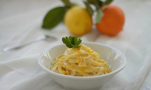 Spaghetti agli agrumi, ricetta facile e veloce vegetariana