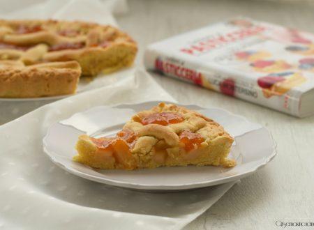 Crostata con pere e albicocche, ricetta facile e golosa