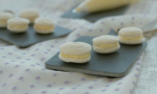 Macarons con crema al tiramisù, ricetta golosa