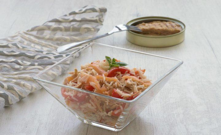 Insalata di riso con tonno e salmone