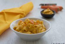 Pasta con crema di carote e robiola