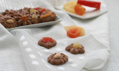 Biscotti di frolla montata farro e cacao, ricetta golosa