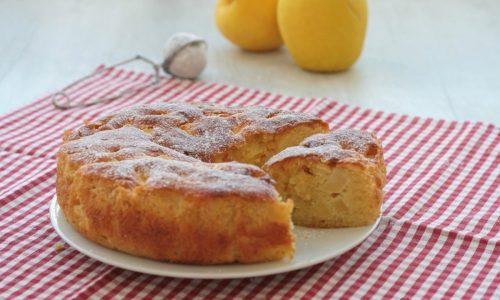 Torta di mele montata, ricetta facile e veloce con i tuorli