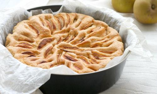 Torta all'acqua light alle mele, ricetta facile e veloce