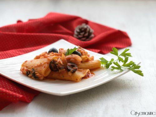 Paccheri con baccalà e olive, ricetta primi piatti della festa
