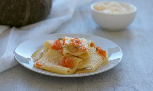 Pasta alla zucca e gorgonzola, ricetta raffinata di facile preparazione