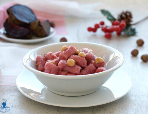 Gnocchi di barbabietola e patate al burro e nocciole, ricetta sfiziosa