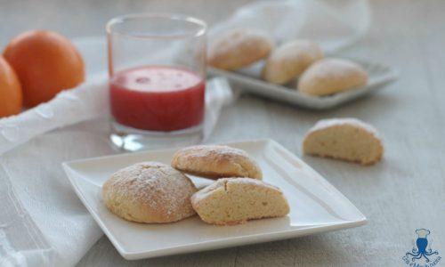 Biscotti morbidi all'arancia, ricetta golosa facile e veloce