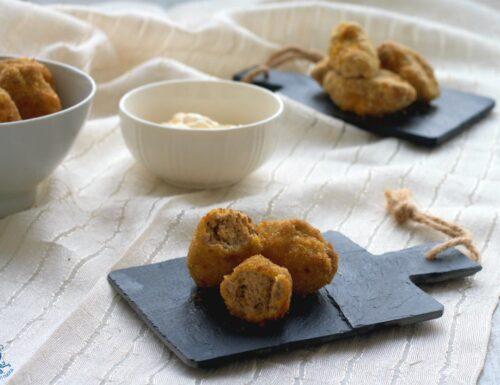 Crocchette semplici di carne e ricotta, fritte e al forno.