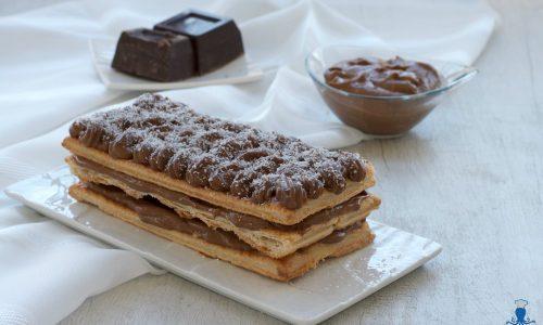 Millefoglie con crema pasticcera al cioccolato, ricetta golosa