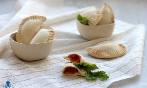 Panzerotti ripieni senza lievitazione, fritti o al forno
