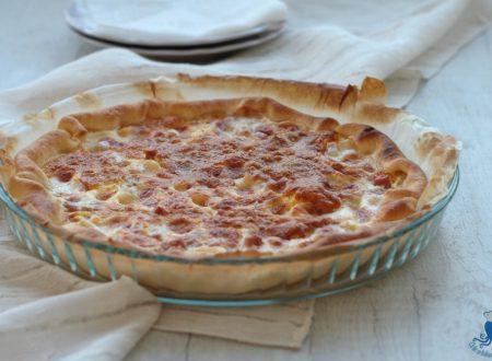 Torta salata prosciutto e mozzarella, ricetta sfiziosa
