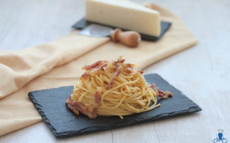 Pasta alla carbonara, ricetta classica della cucina romana