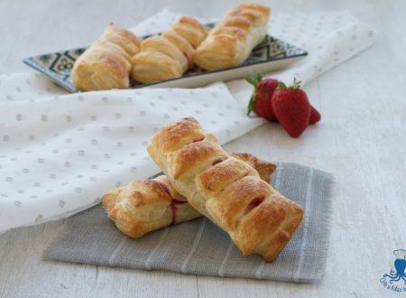Bauletti di sfoglia con fragole e nutella, ricetta golosa