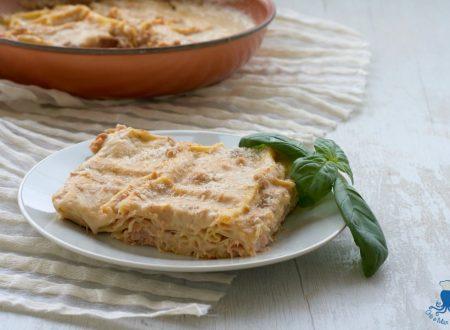 Lasagne in padella con tonno e prosciutto, ricetta facile