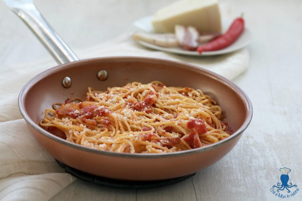 Ricetta Amatriciana Max.Spaghetti All Amatriciana Ricetta Classica Della Cucina Italiana