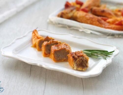 Peperoni lunghi ripieni di carne, ricetta sfiziosa e gustosa