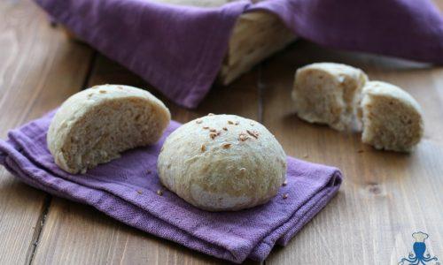 Panini integrali con semi di lino, ricetta con lievito di birra