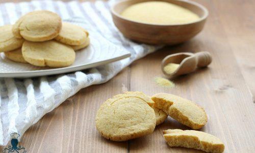 Biscotti alla farina di mais e agave, ricetta facile e veloce