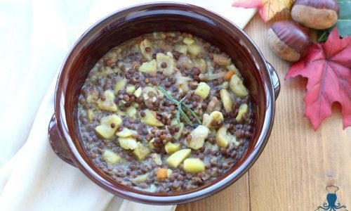 Zuppa con castagne e lenticchie, ricetta facile e saporita