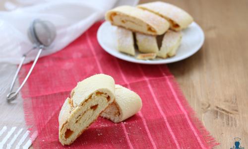 Biscotti arrotolati al microonde, ricetta golosa con ripieno di marmellata