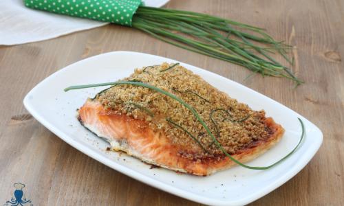Salmone gratinato al microonde, ricetta facile e veloce