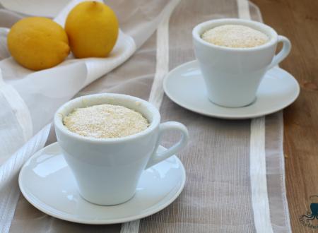 Mug cake al limone, ricetta facile e veloce al microonde