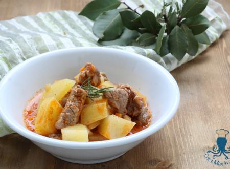 Spezzatino di vitello con le patate, ricetta gustosa e facile