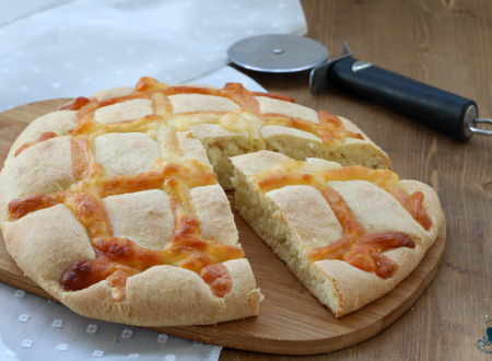 Pan brioche salato al formaggio, ricetta lievitata saporita e sfiziosa