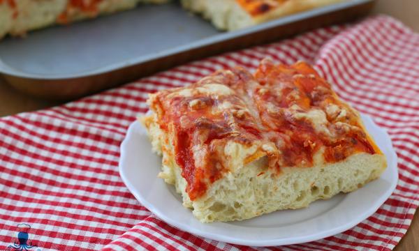 Pizza alta in teglia, ricetta con impasto di Bonci con il Bimby