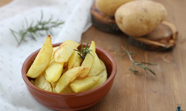 Patate speziate, ricetta facile con la friggitrice ad aria