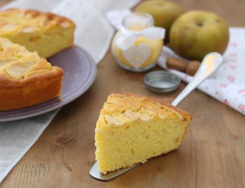Torta di mele con farina di mais, ricetta con e senza Bimby