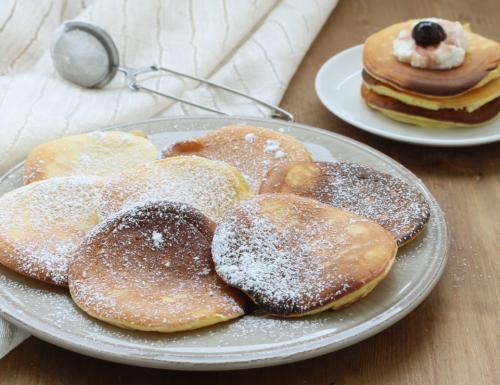 Pancake alla ricotta, sofficissimi e di facile preparazione.