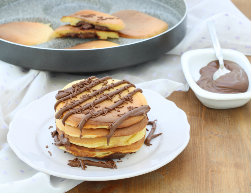 Pancake con cuore alla nutella, per una colazione golosissima!