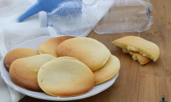 Pancake in bottiglia, ricetta facile senza sporcare nulla!