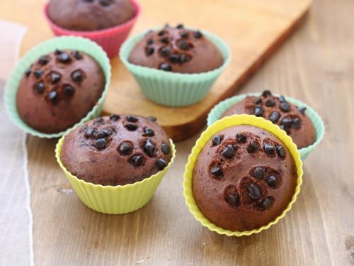 Muffin al cioccolato al vapore, ricetta con e senza vaporiera elettrica.