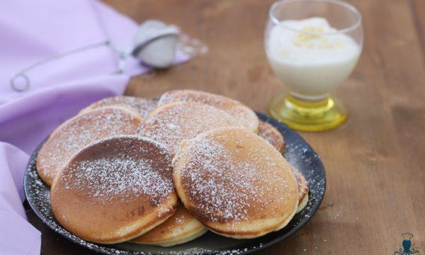 Pancake yogurt e cioccolato bianco, ricetta golosa