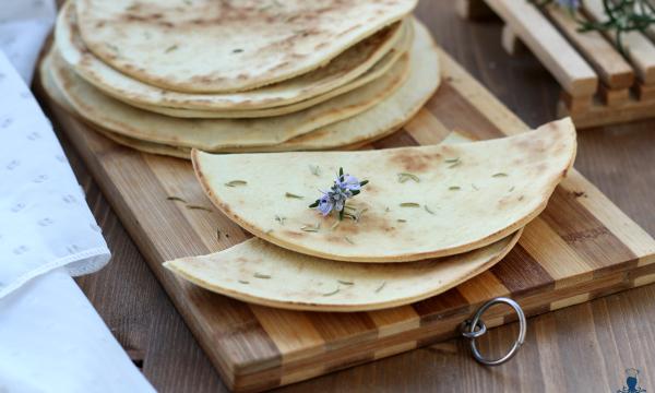 Pane senza lievitazione, (azzimo) in padella con e senza Bimby