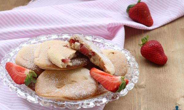 Pancake alle fragole, ricetta golosa facile e veloce