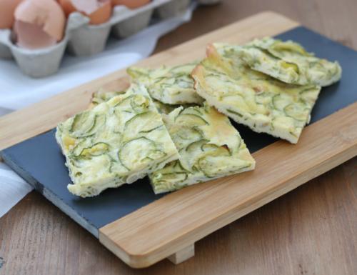 Frittata di zucchine e pinoli, ricetta facile e sfiziosa cotta al forno