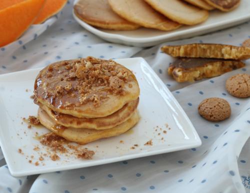 Pancake alla zucca e amaretti, ricetta facile senza uova