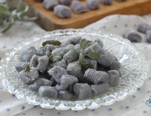 Gnocchi viola burro e salvia, ricetta originale e d'effetto